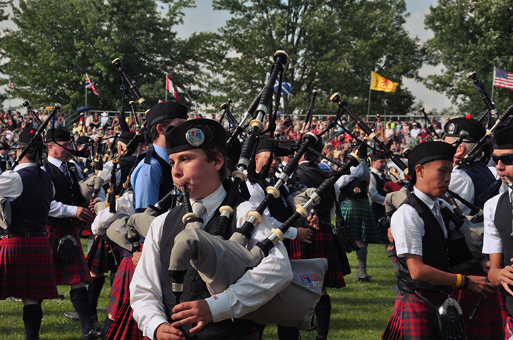 Bagpipes Galore! - Fergus Scottish Festival