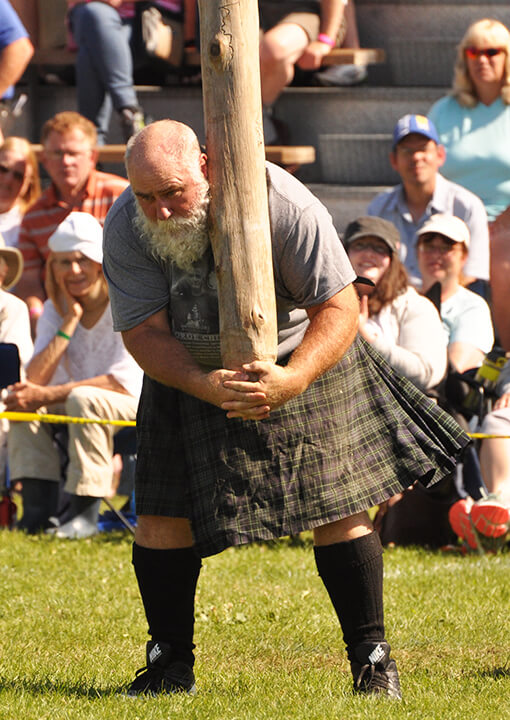 Cabre Tossing- Fergus Scottish Festival